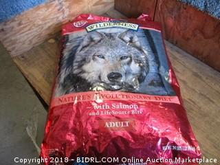 Wilderness Nature's Evolutionary Diet w/ Salmon Adult Dog