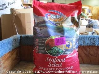 Nutri Source Seafood Select Salmon &Menhden Fish Meal Protein