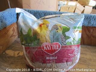 Kaytee Walnut Bedding and Litter Pad for Pets