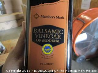 Member's Mark Balsamic Vinegar of Modena (1 L) MSRP* $18