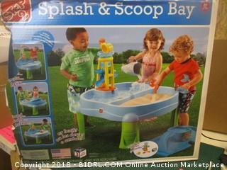 Step 2 Splash & Scoop Bay