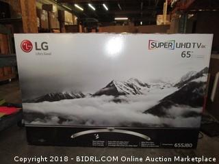 "LG Super UHD TV 4K 65""  Powers On, Cracked Screen"