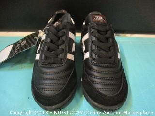 Acacia Shoes Youth Size 11