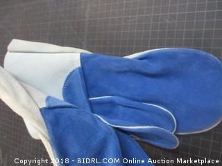 Gander Brand Gloves