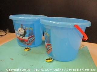 Thomas & Friends Jumbo Flavor Containers / batman pins