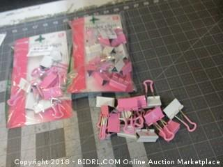 Breast Cancer Awareness Medium Easy Grip Binder Clips