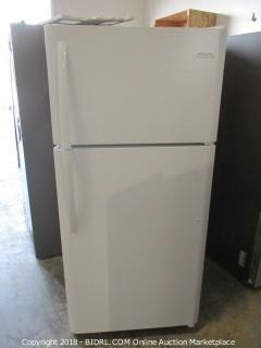 Frigidaire Refrigerator Powers On See Pictures